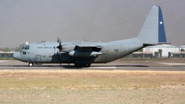 A Chile Air Force Lockheed C-130 Hercules gets ready to leave Santiago airport in March 2019