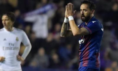 Jose Luis Morales applauds the Levante fans as he is substituted against Real Madrid