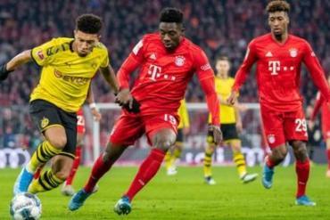 Borussia Dortmund and Bayern Munich players