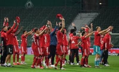 Bayern celebrate winning the title