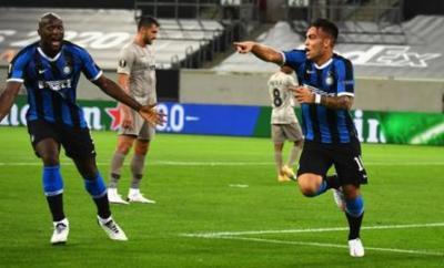 Lautaro Martinez celebrates scoring for Inter Milan against Shakhtar Donetsk