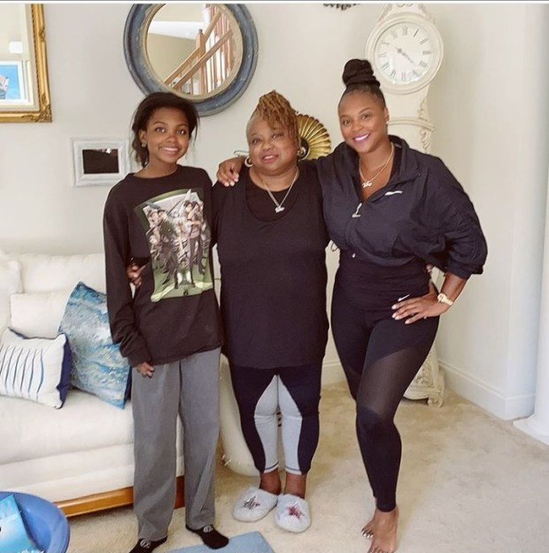 Lovely three-generation family photo featuring Torrei Hart, her mum and her daughter Heaven