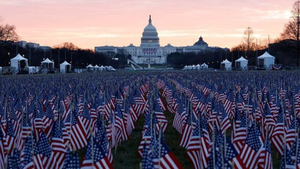 Flags outside the Capitol to pay tribute to Covid victims (18 Jan)