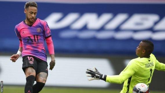 Neymar scores the first for Paris St-Germain against Lens