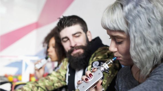 young people vaping