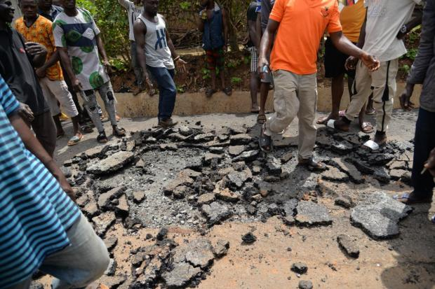 Edo state govt takes over road construction allegedly being built with inferior materials