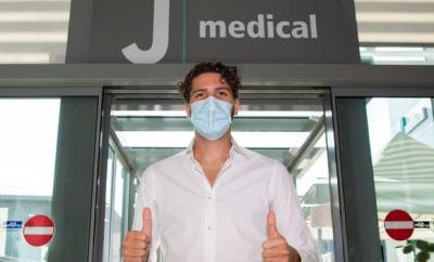 Manuel Locatelli arrives at Juventus for medical.