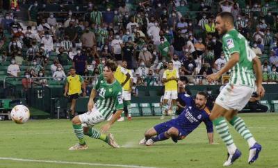 Dani Carvajal scores for Real Madrid against Real Betis