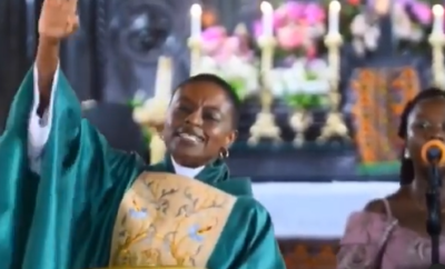 Ghanaian clergywoman makes her church members sing Teni?s song during service (video)