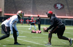 Defensive quality control coach, DeMeco Ryans, works with Reuben Foster (56) during the San Francisco 49ers organized team activity at Levi's Stadium in Santa Clara, Calif., Wednesday, May 31, 2017. (Patrick Tehan/Bay Area News Group) takes part in the San Francisco 49ers organized team activity at Levi's Stadium in Santa Clara, Calif., Wednesday, May 31, 2017. (Patrick Tehan/Bay Area News Group)