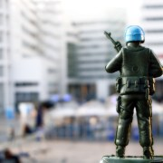 The Miniscule Blue Helmets on a Massive Quest are rapidly spreading around the globe. The Hague (Holland) functions as their forward operating base from where they take off. Eyewitnesses of the quest have submitted hundreds of photos taken on nearly all continents. These reports can be found on the website http://minibluehelmets.com.