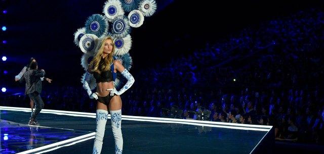 fashion-show-runway-2017-porcelain-angel-stella-look-9-detail-victorias-secret 4chion lifestyle