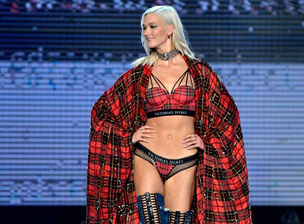 fashion-show-runway-2017-punk-angel-karlie-look-9-detail-victorias-secret 4chion lifestyle