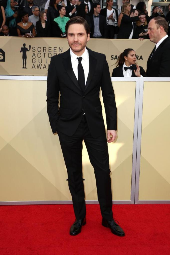 Daniel Bruhl red carpet SAG Awards 4Chion Lifestyle
