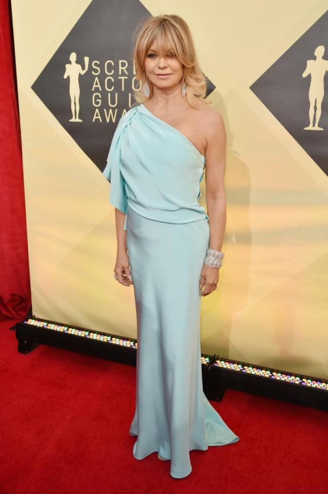 Goldie Hawn red carpet SAG Awards 4Chion Lifestyle