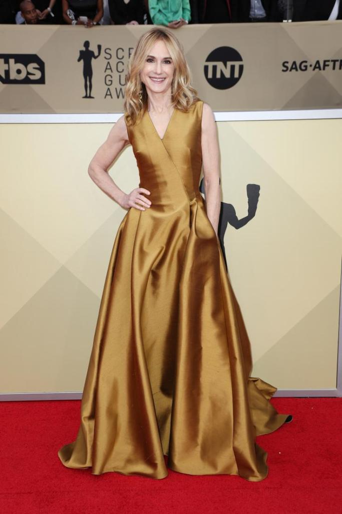 Holly Hunter red carpet SAG Awards 4Chion Lifestyle