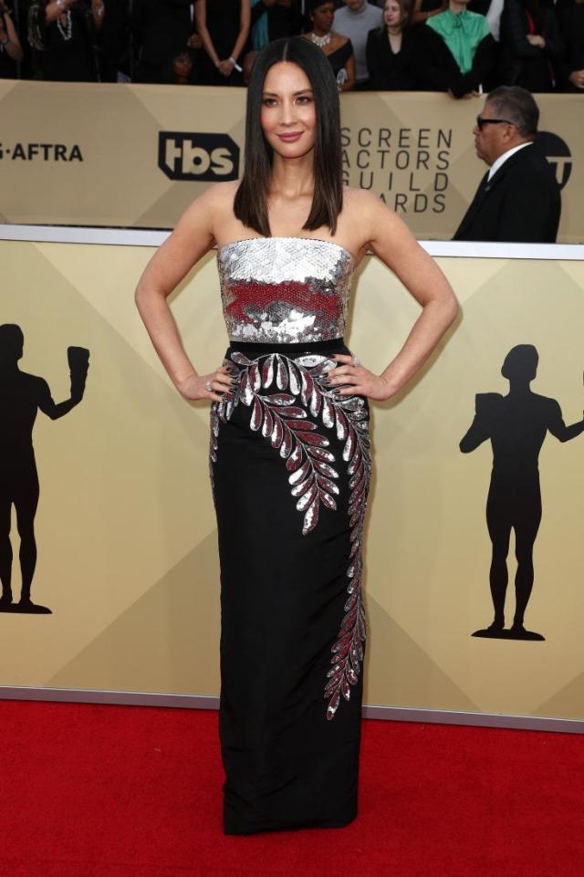 Olivia Munn red carpet SAG Awards 4Chion Lifestyle