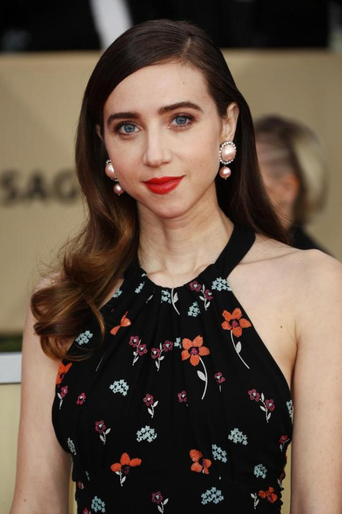 Zoe Kazan red carpet SAG Awards 4Chion Lifestyle