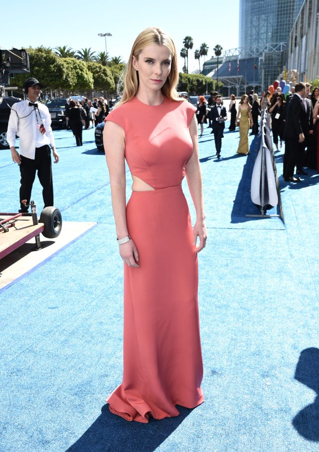 Betty Gilpin Emmys 4Chion Lifestyle