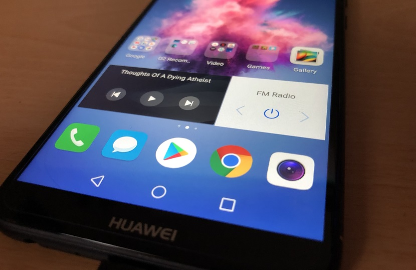 Review: Huawei P-Smart Phone