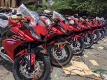 Yamaha-R15-v3.0-Vietnam-dealership-front-three-quarter
