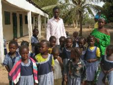 Kleuterschool in Batokunku