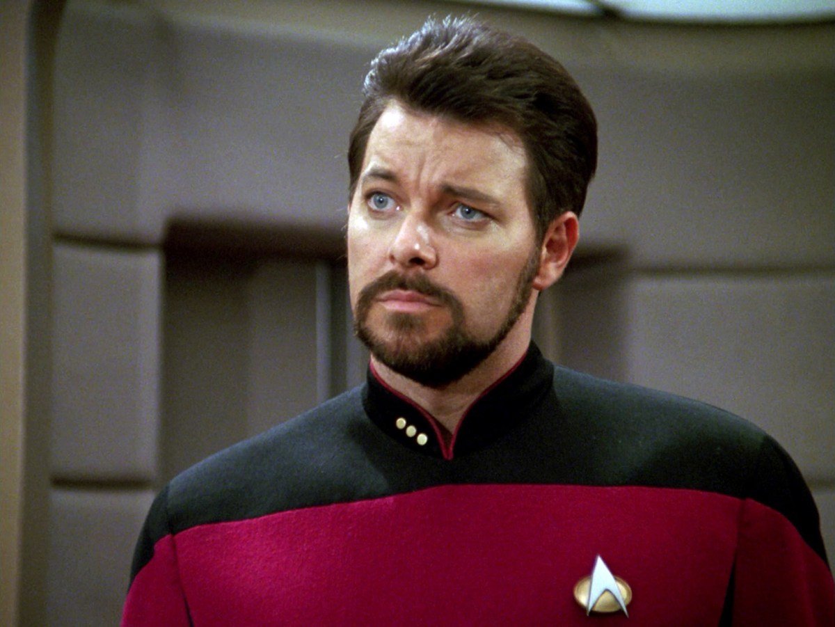 Jonathan Frakes is Back on the Bridge