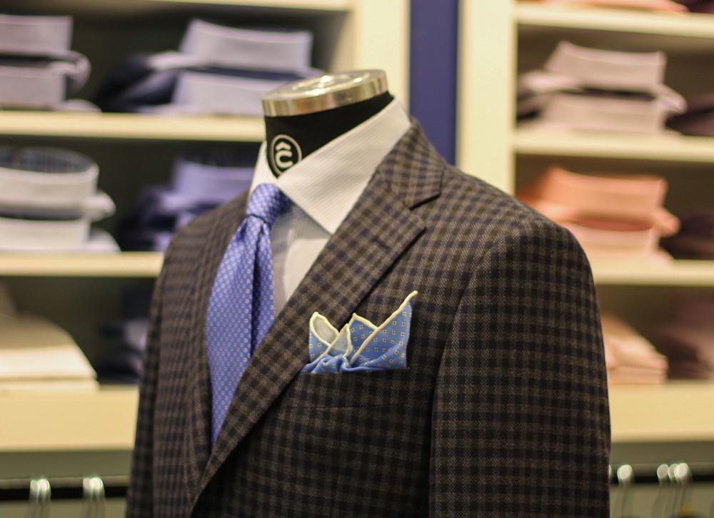 jasny krawat