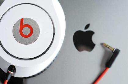 la-epa-germany-apple-beats-jpg-20140509