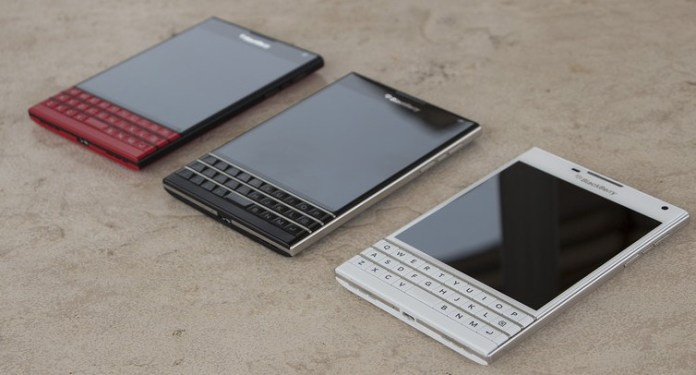 White-and-Limited-Edition-red-BlackBerry-Passport-12