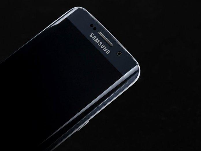 Galaxy_S6_edge_Black_Sapphire_Art_Photo