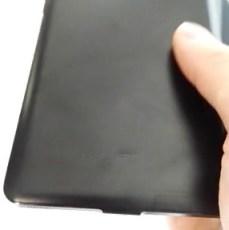 Earlier-leaked-alleged-Nexus-5-images5