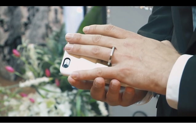 Man marries with his smartphone - 4gnews.pt