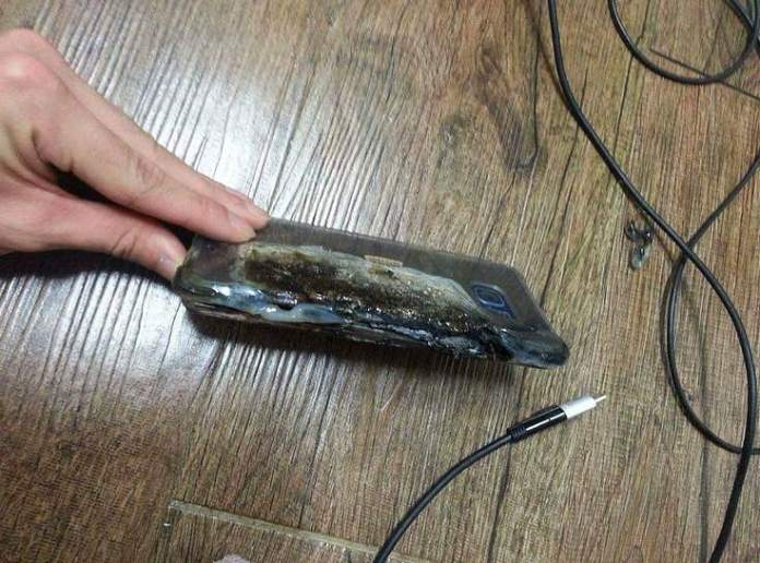 Galaxy-Note-7-explodes-3