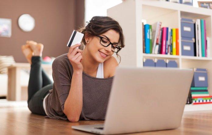 dicas para poupar dinheiro nas compras online