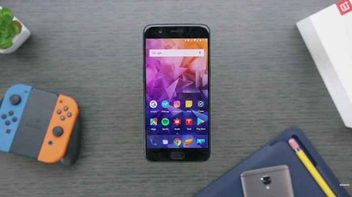 OnePlus 5 | Crédito: MKBHD