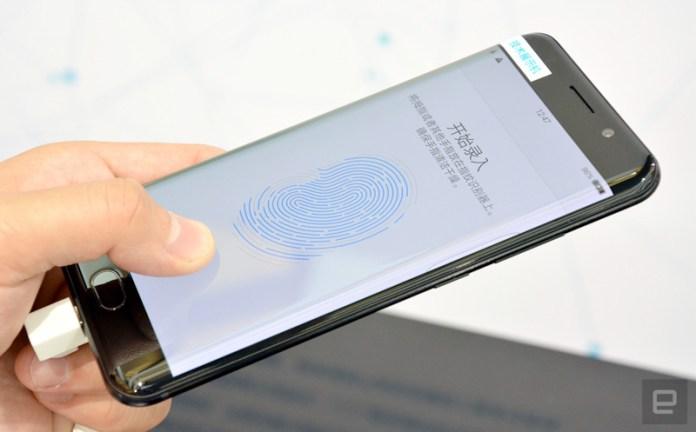 Leitor biométrico no Vivo XPlay 6 | Crédito: Engadget