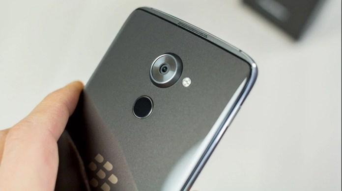 Novo BlackBerry sem teclado QWERTY chega ainda este ano