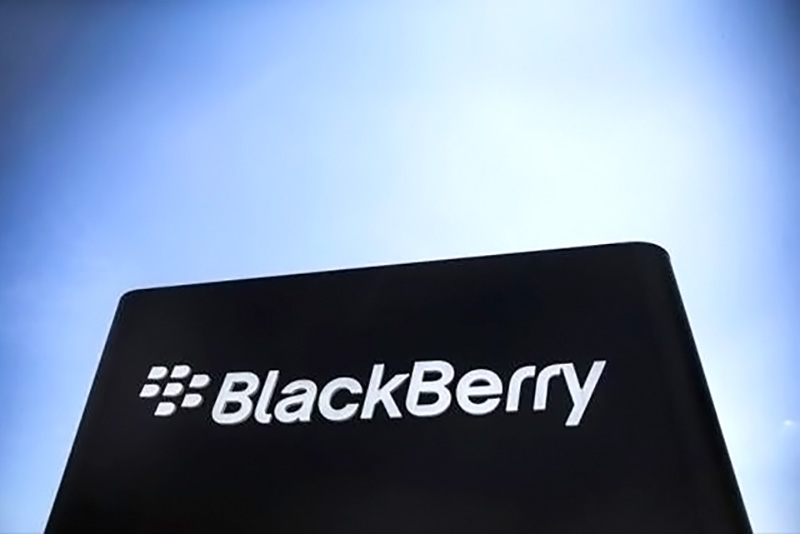 BlackBerry processa Facebook, WhatsApp e Instagram