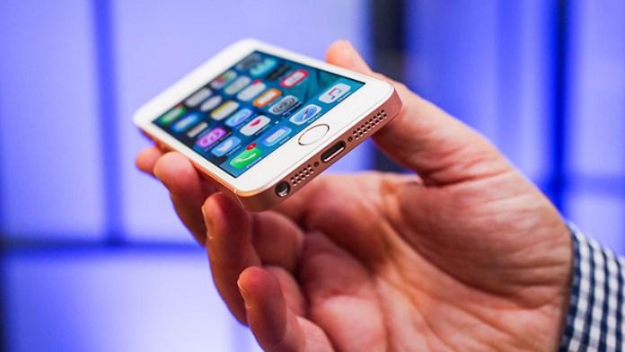 Apple iPhone SE 2: Vídeo revela alegado equipamento com traseira em vidro