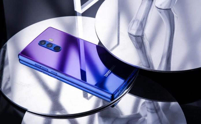 Android. Doogee traz a tonalidade do Huawei P20 aos seus smartphones