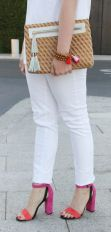 c-botkier-block-heel-sanals-white-skinny-jeans-spring-outfit-inspiration-768x903