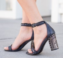 00 - Sydne-Style-wears-Chinese-Laundry-silver-heel-sandal-for-summer-shoe-trends