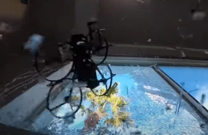 робот-полицейский дрон