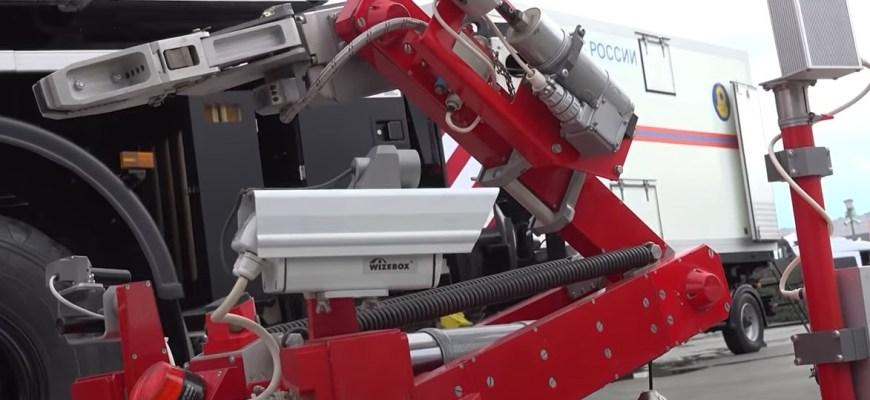 робот-пожарный и робот-разведчик