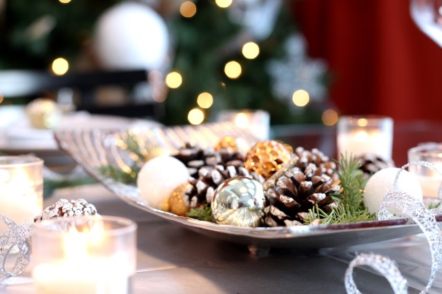 Dreamhouse Project rustic glam Christmas dining table centrepiece