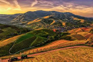 brown-and-green-mountain-view-photo