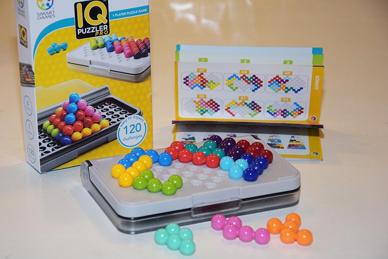 Ideaal spelletje voor kinderen op reis: IQ Puzzler Pro van Smart Games