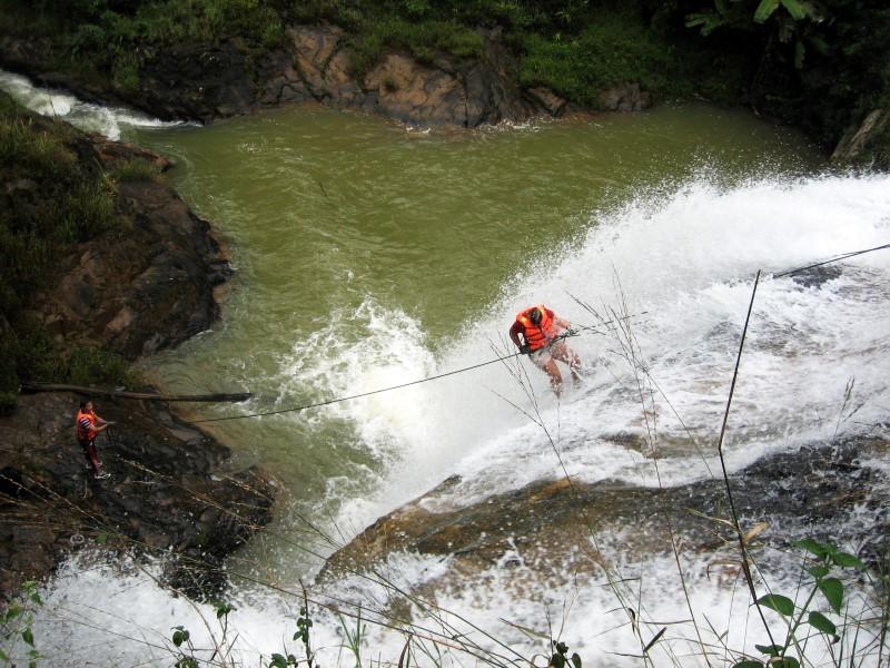 Canyoning in Vietnam: een fantastisch wildwaterspektakel