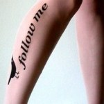 "フォローミーストッキング!  Not Ready for a Twitter Tattoo? Try the ""Follow Me"" Stockings [PIC]"